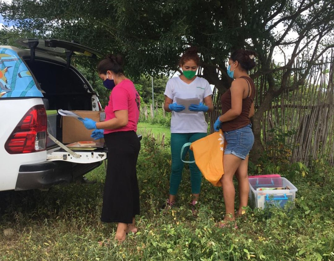 Now, the Mobile Library is helping CREA continue promoting literacy in all the communities it serves. In these pictures, CREA members distribute reading materials for children, adolescents, and families.